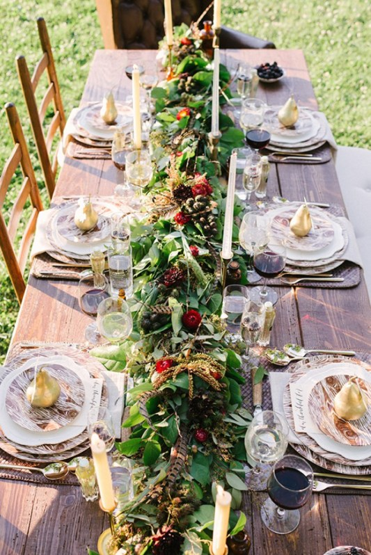 rustic-outdoor-thanksgiving-table-waitingonmartha.jpg